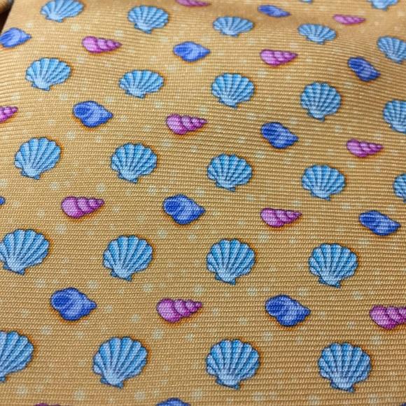 Paul Stuart Other - Paul Stuart Sea Shells Print 100% English Silk Tie